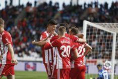 Foto 4 -  El Numancia termina su racha y pierde ante el Almería (2-0)