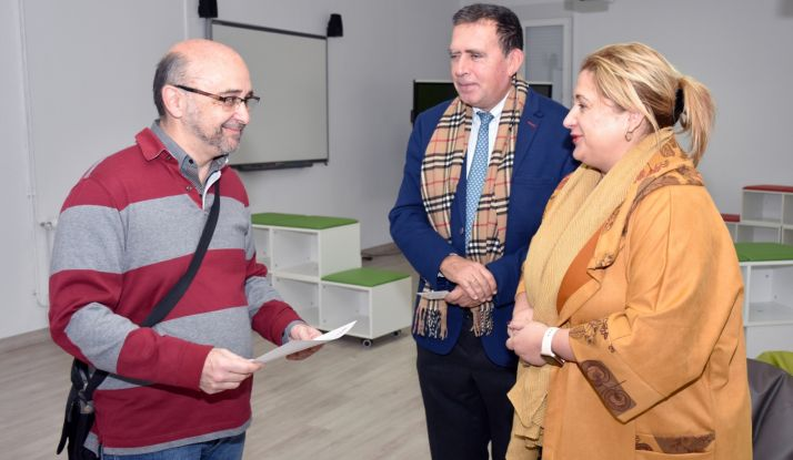 Yolanda de Gregorio y Javier Barrio con Francisco Javier Homs. /Jta.