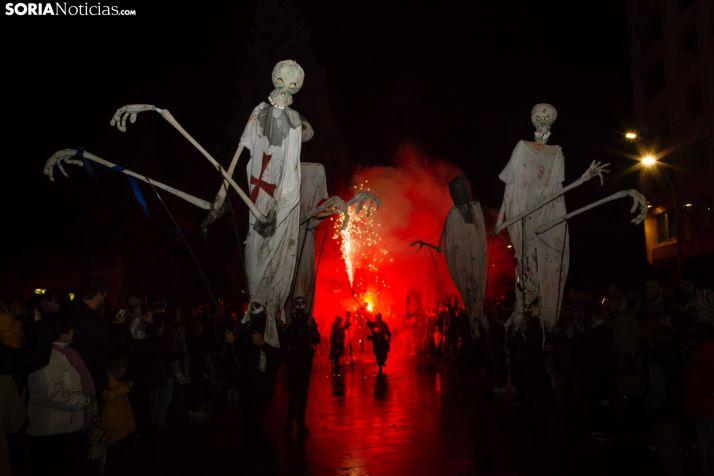 GALERÍA: La lluvia no empaña todo el esplendor del Festival de las Ánimas