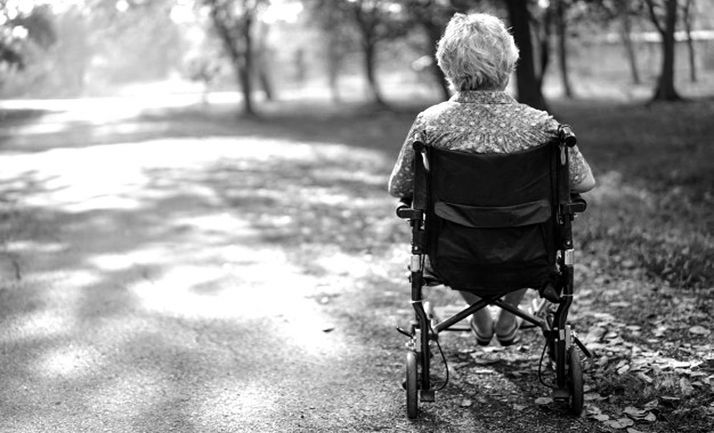Foto 1 - La Junta prorroga el concierto de plazas para personas mayores y con discapacidad para 2020, para la continuidad de la atención