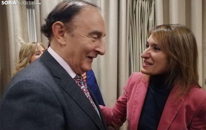 Rocío Lucas y Ángel de Miguel esta tarde en el acto académico de la UNED. /SN