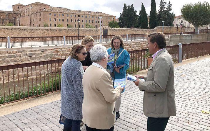 Visita electoral de los candidatos del PP a Santa María de Huerta.