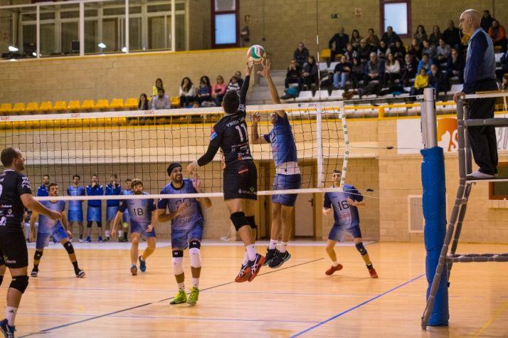 Foto 1 - El Moreno Sáez Sporting CV Soria se muestra intratable y vence a CUV Alcorcón por 3-1.