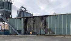 Los daños en el exterior de la factoría. /SN