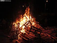 Foto 5 - Golmayo celebra Santa Bárbara al calor de la hoguera