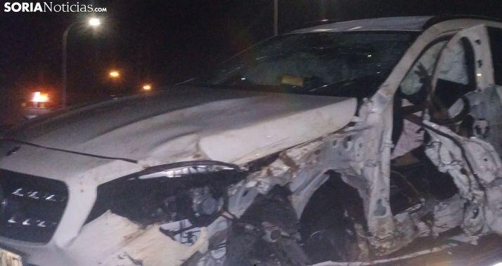 Foto 2 - 3 vehículos implicados en un accidente en la N-122