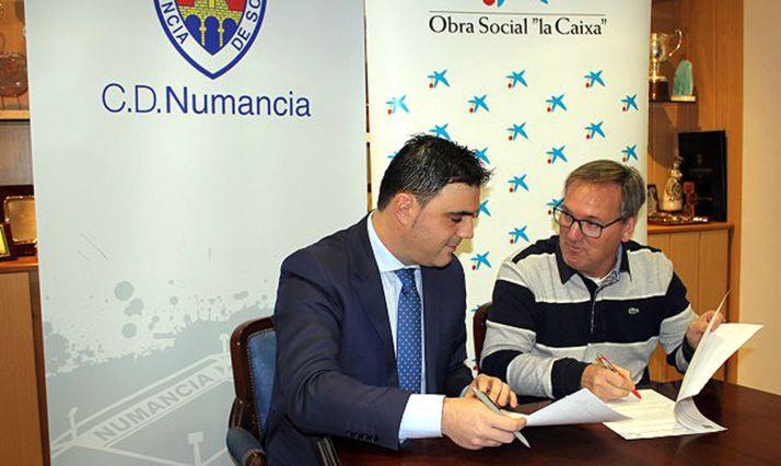 Martínez y Rubio durante la rúbrica del convenio. /CDN