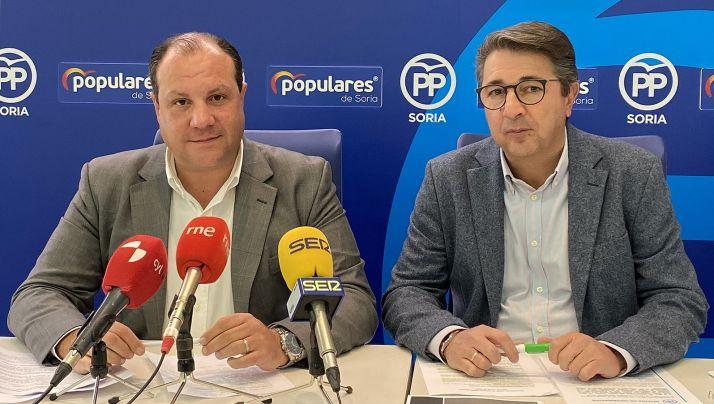 Heras (izda.) y Peregrina, procuradores sorianos del PP.