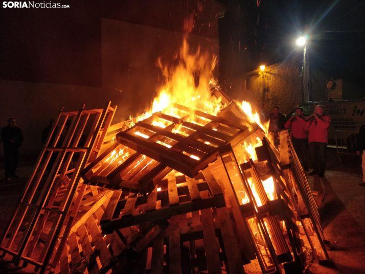 Golmayo celebra Santa Bárbara al calor de la hoguera