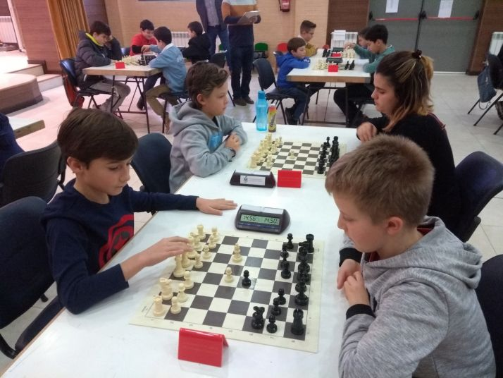 Foto 1 - Muy disputado el VII Torneo infantil de ajedrez 'Camaretas'