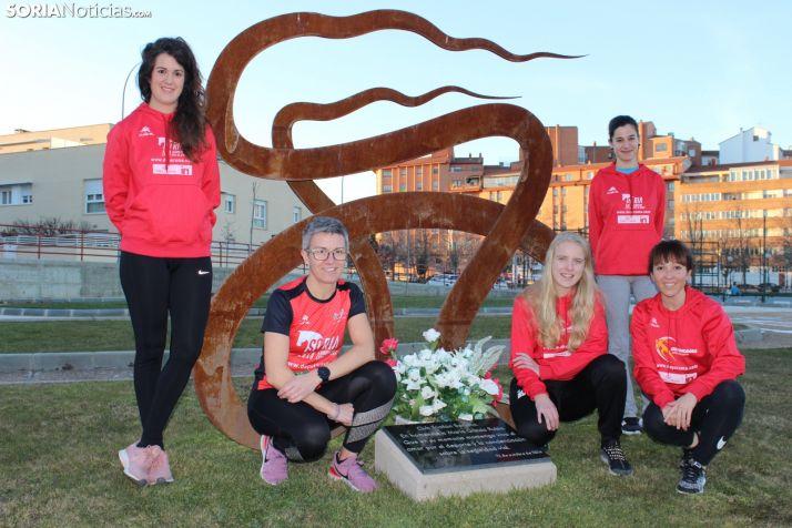 Cinco de las integrantes de la renovada escuadra femenina en el Triatlón Soriano. SN