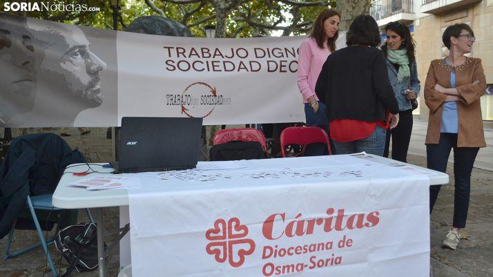 Voluntarias de Cáritas en una jornada divulgativa este año. /SN