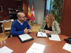 El alcalde de Torlengua, Matías Ágreda con Yolanda de Gregorio, delegada de la Junta