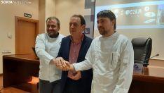 Alberto López (izq.), Benito Serrano y Carlos Aldea durante la presentación.