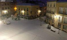 Una imagen de la plaza Mayor de Ágreda antes del amanecer de este martes. /SN