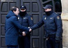 El presdente de la Junta en su visita al consistorio capitalino. /SN
