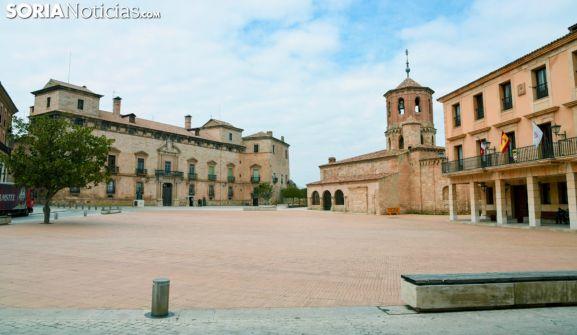 Plaza Mayor de Almazán, con la sede consistorial a la derecha. /SN