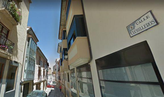 Una imagen de la calle Cuchilleros, en el casco antiguo de la capital. /GM