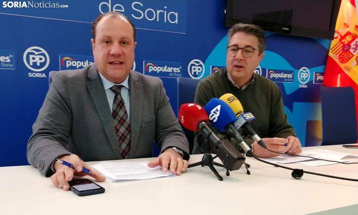 Pedro Antonio Heras (izda.) y Jesús Ángel Peregrina este viernes en rueda informativa. /SN