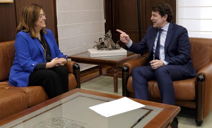 Ángeles Armisén y Alfonso Fernández Mañueco. /Jta.