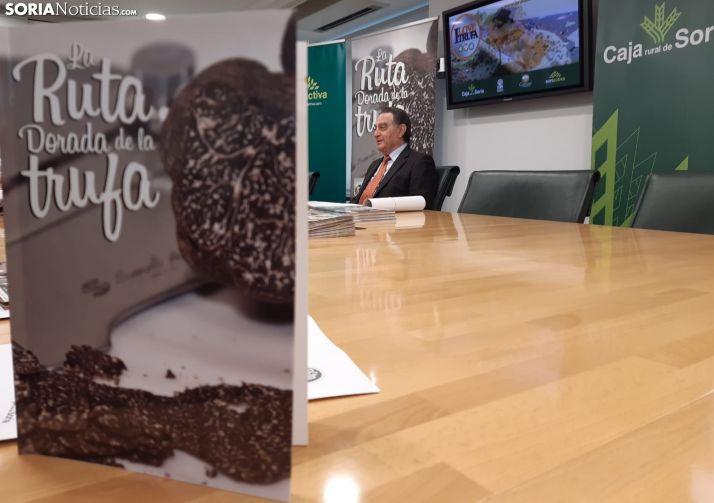 Anselmo García presenta la séptima 'Ruta Dorada de la Trufa'.
