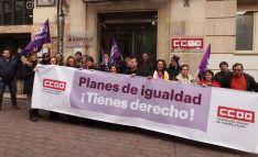 Una concentración de CCOO a las puertas de su sede en la capital.