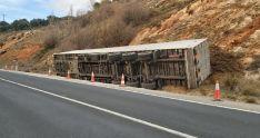 Foto 4 - Abiertos los dos carriles de la carretera SO-20 que habían sido cortados por el vuelco de un camión