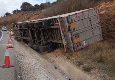 Foto 3 - Abiertos los dos carriles de la carretera SO-20 que habían sido cortados por el vuelco de un camión