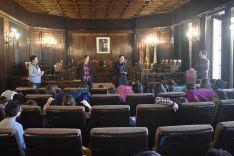 Alumnos del CEIP Virgen de OLmacedo en su visita al Ayuntamiento y la Diputación