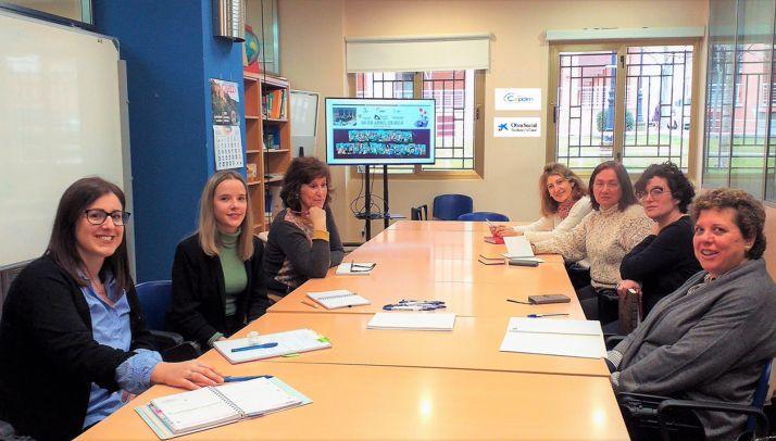 Foto 1 - Presentan el proyecto 'SabeRural' en el Semillero Intergeneracional de la Diputación de Soria