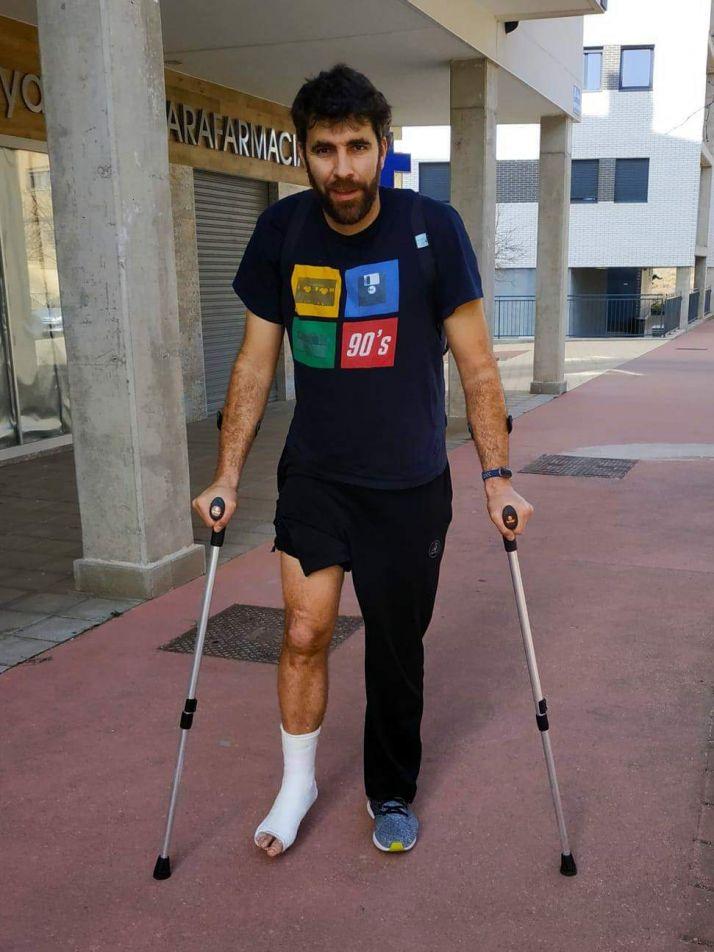 Foto 1 - Sevillano sufre una fractura en el primer metartasiano