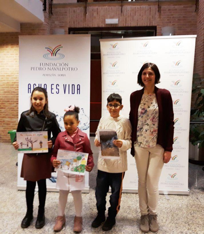 Entrega de premios en un colegio de Almazán