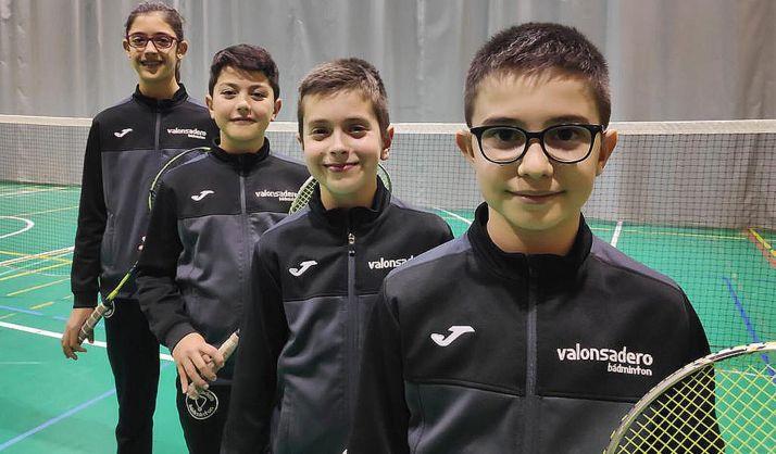 Las jóvenes figuras del Valonsadero Bádminton. /CVB