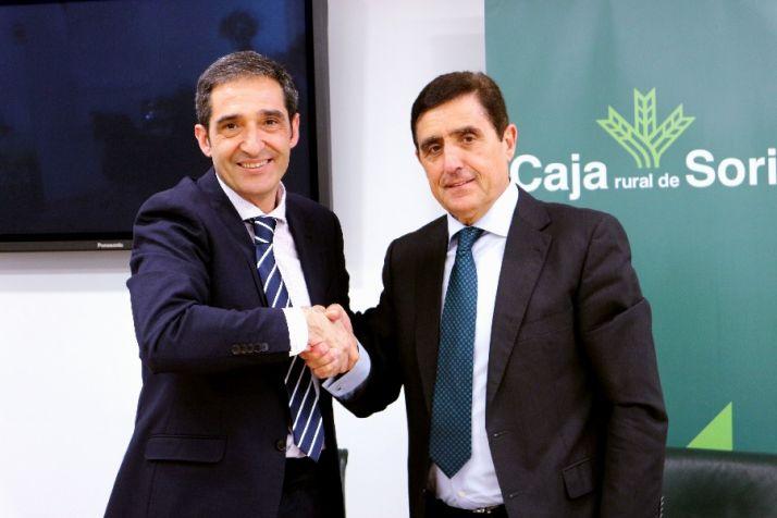 Carlos Martínez Izquierdo, presidente de Caja Rural y Vicente Gonzalo Garijo, presidente del CD. Calasanz