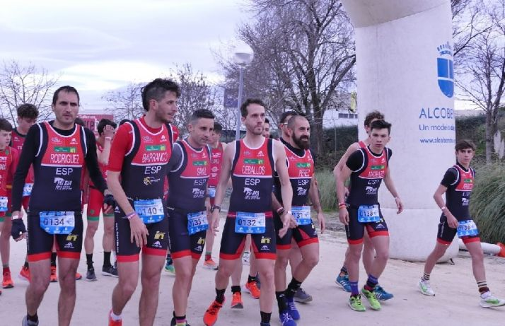 El equipo maaculino de Triatlón en Alcobendas. /TS
