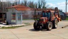 Los agricultores, implicados en la desinfección de los pueblos