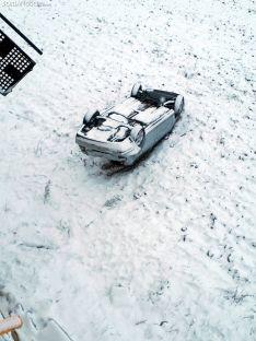 Una imagen del vehículo tras su salida de la vía. /SN