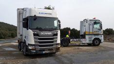 Foto 2 - Retirado el camión accidentado el lunes en El Madero