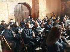 Foto 4 - El Barrio Moro de Ágreda celebra su tradicional hoguera ante la ermita