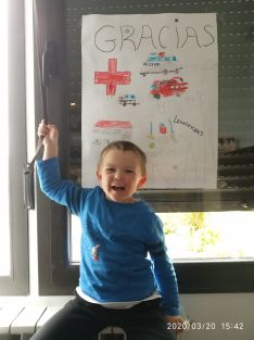 Foto 3 - ¡Dibuja un héroe!