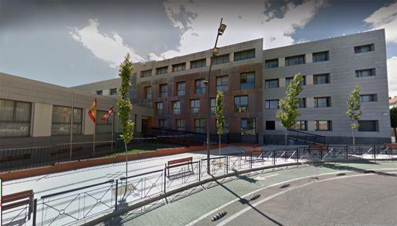 Una imagen del edificio, en la plaza Odón Alonso. /GM