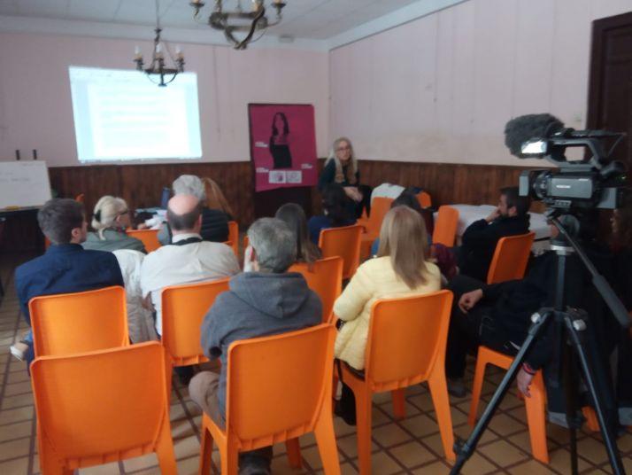Foto 2 -  Los ayuntamientos socialistas de Soria se unen al 8M