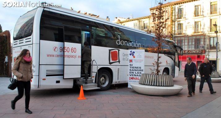 Autobús de los Donantes de Sangre en Mariano Granados.