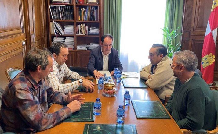 Una imagen del encuentro en el Palacio Provincial. /Dip.