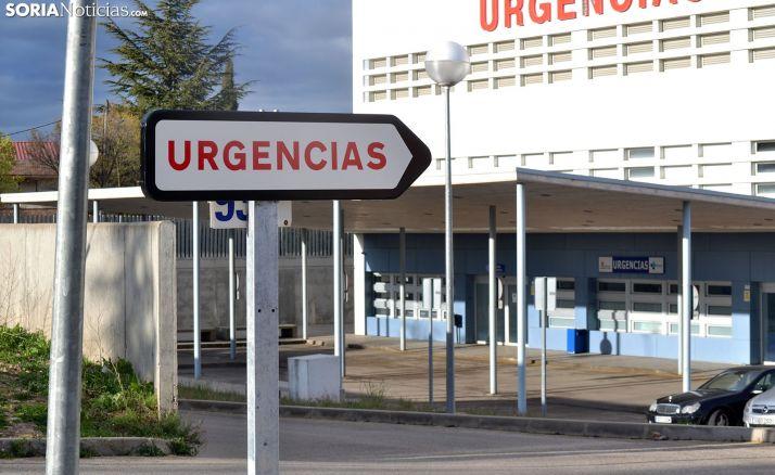 Una imagen de esta semana de las inmediaciones del servicio de Urgencias del Santa Bárbara. /SN