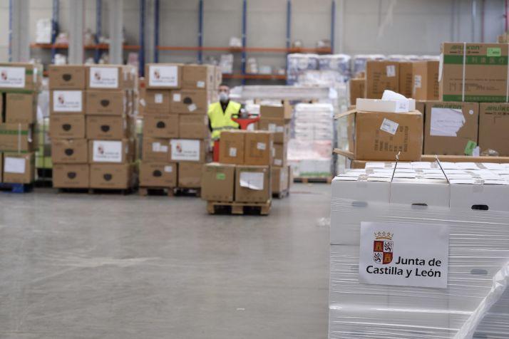 Imagen del almacén de la Junta con el material recibido. /Jta.
