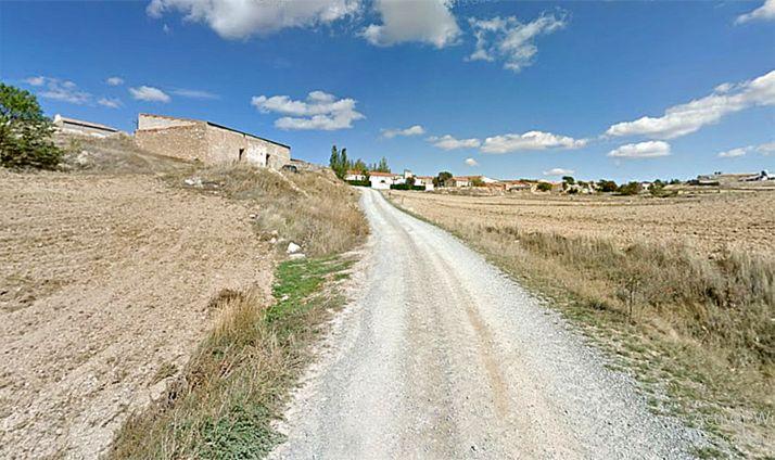 Un camino rural a la entrada de Muro, pedanía olvegueña. /GM