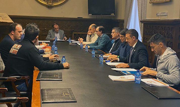 Una imagen de la reunión mantenida esta tarde en la Diputación. /SN