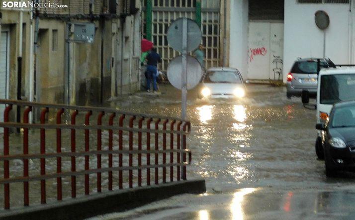 La calle San Martín de Finojosa tras una tromba de agua en julio pasado. /SN