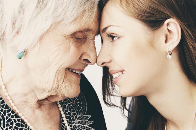 Los adolescentes se 'abuelizan' en época de COVID-19 para crear la mejor medicina para los mayores